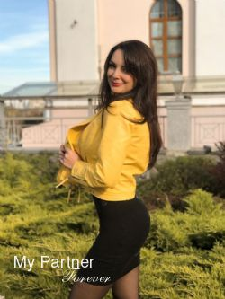 Dating Site to Meet Stunning Ukrainian Lady Marina from Vinnitsa, Ukraine