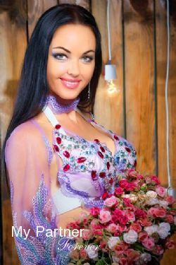 Dating with Gorgeous Ukrainian Girl Elena from Sumy, Ukraine