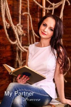 Online Dating with Beautiful Russian Lady Kseniya from St. Petersburg, Russia
