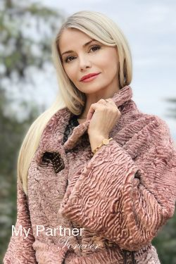 Russian Lady Looking for Men - Olga from Sevastopol, Russia
