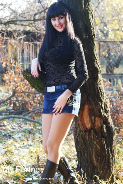 Dating Service to Meet Charming Ukrainian Girl Olga from Melitopol, Ukraine