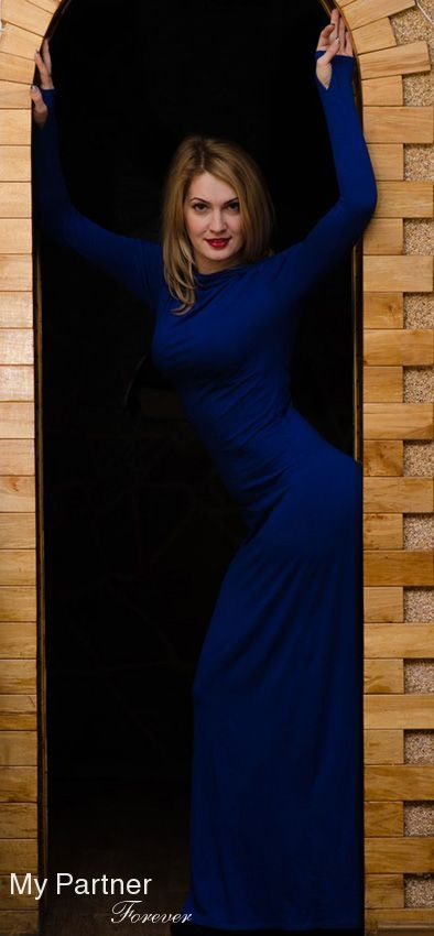 Dating with Beautiful Ukrainian Lady Anna from Melitopol, Ukraine