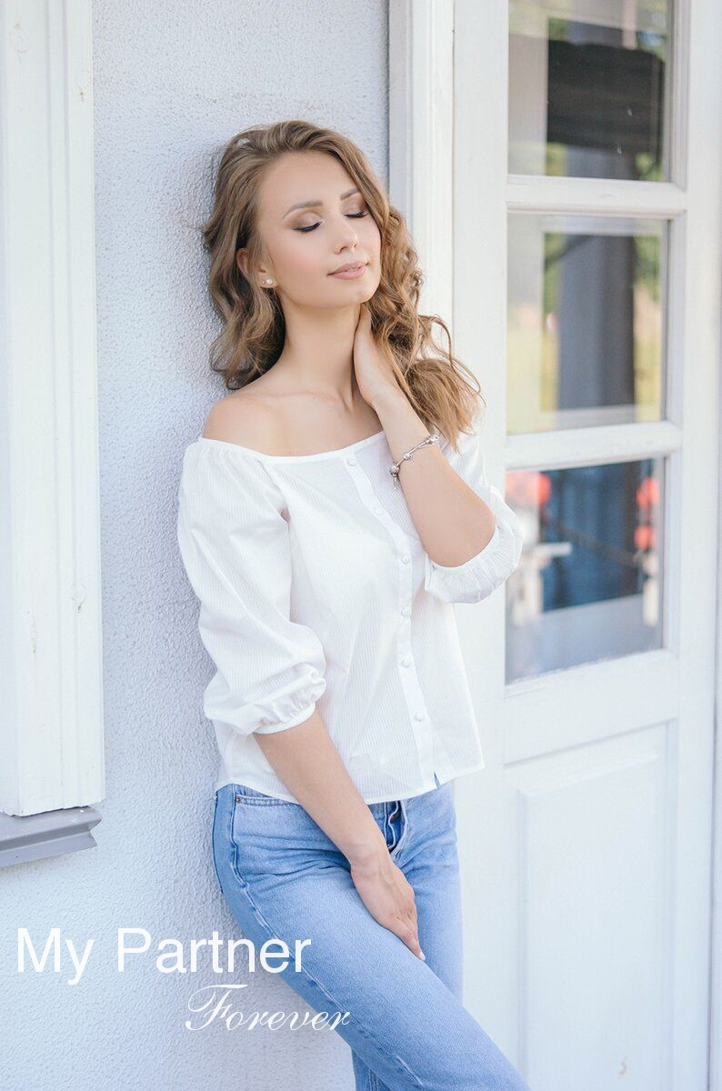 Dating Service to Meet Sexy Belarusian Lady Darya from Grodno, Belarus