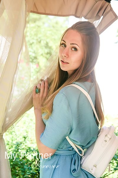 Dating Service to Meet Sexy Russian Lady Anna from Pskov, Russia