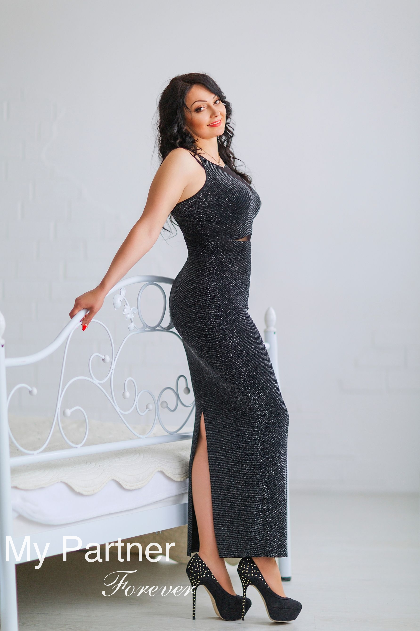 Dating with Beautiful Ukrainian Lady Alyona from Nikolaev, Ukraine