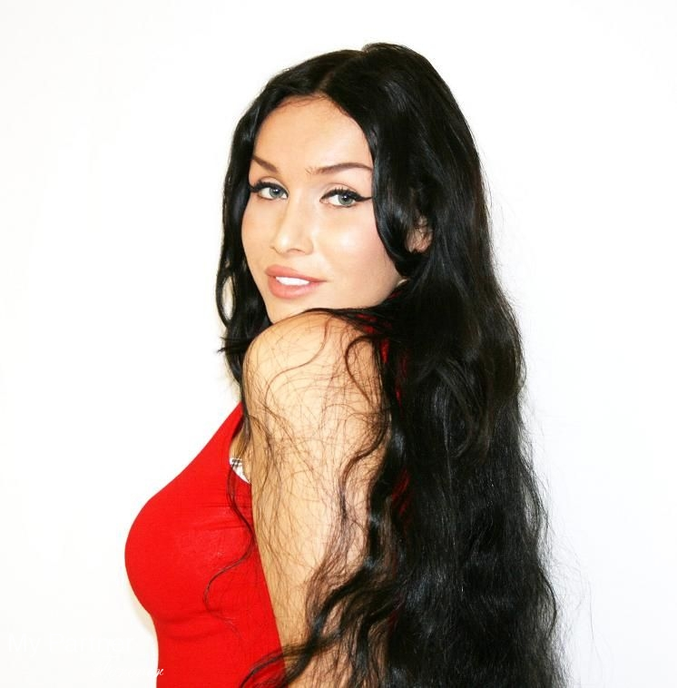Online Dating with Sexy Russian Woman Elena from Novosibirsk, Russia