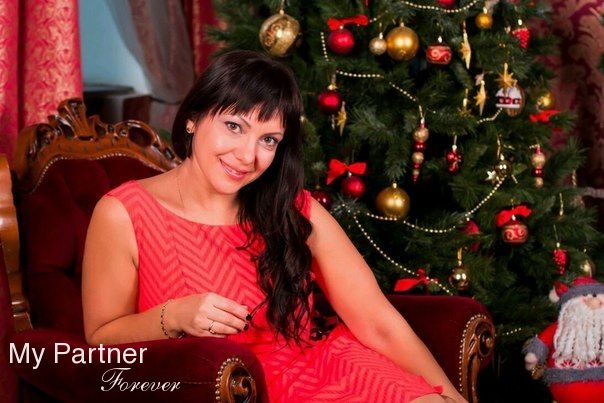 Online Dating with Stunning Russian Lady Yuliya from Omsk, Russia